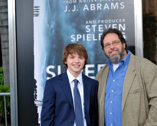 Super_8_Joel_Courtney_brings_Acting_Coach_Gary_Spatz_to_Steven_Spielberg_and_Abram_Latest_Premiere_the_playground_los_angeles-600x480-1